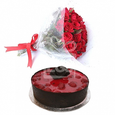 Cake from Marriott Hotel with Red Roses delivery to Pakistan