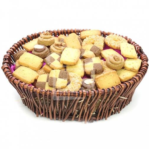 Biscuit Lovers Hamper delivery to Pakistan
