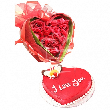 2lbs Valentines Day Cake with Roses delivery to Pakistan