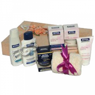 Nivea Gift Hamper delivery to Pakistan