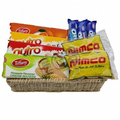 Sweet and Salty Hamper delivery to Pakistan